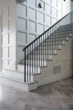 Looking for Staircase Design Inspiration? Check out our photo gallery of Modern … Looking for Staircase Design Inspiration? Check out our photo gallery of Modern Stair Railing Ideas. Stair Railing Railing Pin: 900 x 1349 Staircase Wall Decor, House Stairs, Interior Stairs, Staircase Decor, Railing Design, Diy Stairs, Staircase Railings, Stairs Trim, Stairs Design