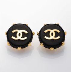 Love for vintage Chanel!