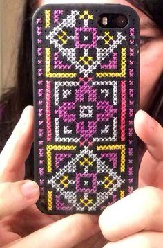 my diy cross stitch iphone case :)