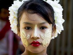 * Mandalay flowergirl - Myanmar (Burma) * Burma Myanmar, Myanmar Women, Tribal Makeup, Shwedagon Pagoda, The White Album, Baby Faces, Yangon, Mandalay, Country Art