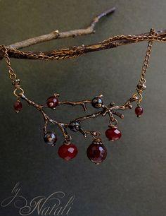 """Подвеска """"Поздняя ягода"""" - гранат, агат, чешское стекло. Handmade."""