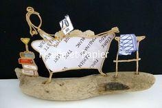Figurine en ficelle de kraft armé et papier   Après une dure journée de travail, quoi de plus reposant que de se plonger dans un bon bain moussant, avec un bon roman ?!  Dim - 18790739