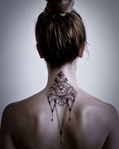 63 Mejores Imágenes De Tatuajes En La Nuca En 2019 Hairline