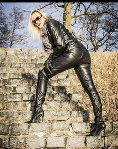 Leather Gloves, Leather Pants, Latex, How To Wear, Women, Fashion, Moda, Women's, Fashion Styles