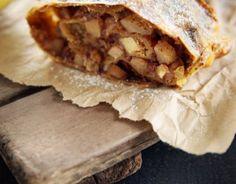 La rocciata è un tipico dolce umbro caratteristico della zona di Foligno.