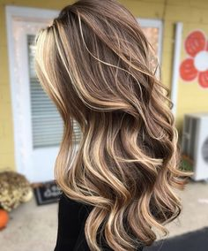 New hair color blonde and brown balayage lighter 23 ideas Hair Color Balayage, Hair Highlights, Ombre Hair, Auburn Balayage, Brown Hair With Highlights And Lowlights, Brown Balayage, White Highlights, Gorgeous Hair Color, Cool Hair Color