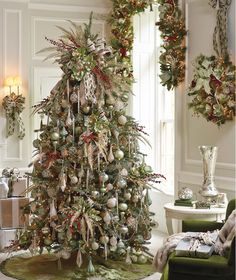 Cordless and Pre-lit Greenery: The Ultimate Holiday Shortcut | Frontgate Blog