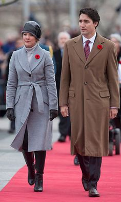Attending a Remembrance Day service with her husband by her side, Sophie dazzled in grey yet again, wearing another coat by favoured brand Sentaler featuring ribbed sleeves and a belt, plus a '20s-style hat with black ribbon detailing an black boots. <br><p>Photo: © Getty Images</p>