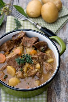 How To Make Irish Beef Stew with Guinness Beef Recipe