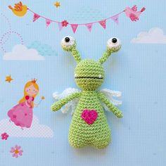 Amor by Monigurumi. Crochet pattern by Little Bear Crochets: www.littlebearcrochets.com ❤️ #littlebearcrochets #amigurumi