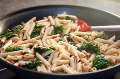 A Lazy Girl's Guide to Living Gluten Free: Bacon Kale Pasta