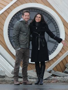 "They are just too cute!!!! Lana Parilla and Sean Maguire - Behind the scenes - 5 * 12 ""Souls of the Departed"" - 4 November 2015"