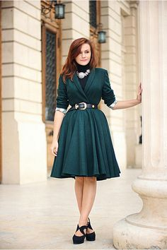 A gorgeous green coat - a dress coat! Tulle Dress, Dress Skirt, Dress Up, Green Coat, Green Dress, Dress Attire, Full Skirts, Coat Dress, Pretty Dresses