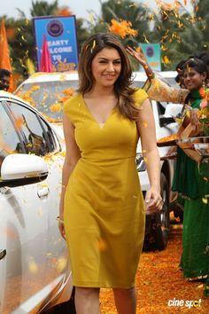 Beautiful Girl Indian, Beautiful Girl Image, Beautiful Saree, Beautiful Indian Actress, Most Beautiful Women, Hot Actresses, Indian Actresses, Indian Classical Dance, Stylish Girl Pic
