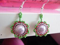 Obplétané perličky I Obšité plastové perličky hravými barvami. Průměr obšité perličky je cca 2 cm