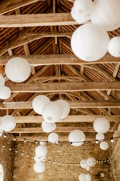 Eleganz in der Bretagne - - Elegance in Brittany - - Wedding Lanterns, Wedding Decorations, Winter Lodge, White Paper Lanterns, French Wedding, Barn Lighting, Paper Design, Nursery Decor, Wedding Venues