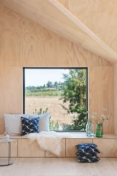 〚 Small and so cozy: modern summer cottage in Denmark 〛 ◾ Photos ◾Ideas◾ Design Interior Architecture, Interior And Exterior, Interior Design, Plywood Walls, Plywood Furniture, Design Furniture, Cosy Corner, Cabin Design, Bar Design