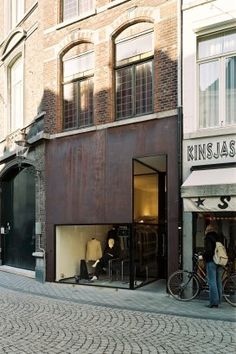 Beltgens Fashion Shop, Maastricht, Netherlands   by: Wiel Arets Architects