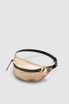 Leather Fanny Pack, Leather Backpack, Leather Wallet, Best Handbags, Purses And Handbags, Waist Pouch, Backpack Travel Bag, Hip Bag, Burberry Handbags