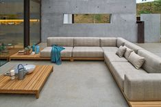 Choosing best outdoor furniture material is based on primary factors such as weather conditions and secondary factors such overall look. Sunroom Furniture, Best Outdoor Furniture, Sofa Furniture, Pallet Furniture, Outdoor Sofa, Living Room Furniture, Indoor Outdoor, Modern Furniture, Furniture Ideas
