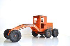 vintage // Orange Tonka Truck