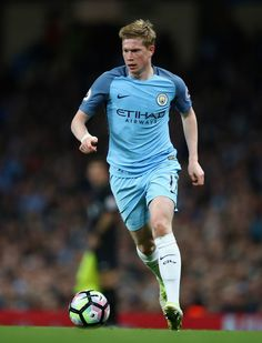 Kevin De Bruyne of Manchester City in action during the Premier League match between Manchester City and Manchester United at Etihad Stadium on April 27, 2017 in Manchester, England.