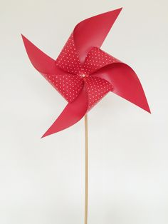 The Perfect Summer Craft: Paper Windmill!