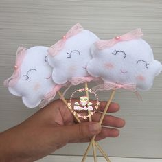 The Top Romantic Gift Ideas – Gift Ideas Anywhere Cloud Party, Diy And Crafts, Crafts For Kids, Baby Olivia, Baby Shawer, Unicorn Art, Felt Decorations, Ideas Para Fiestas, Throw A Party