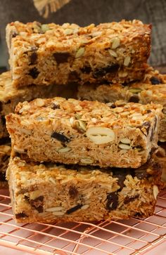 These really are the very best homemade muesli bars. soft & chewy with just the right amount of crunch! Cereal Recipes, Baking Recipes, Cake Recipes, Veggie Recipes, Aldi Recipes, Snacks Recipes, Dessert Recipes, Homemade Muesli Bars, Healthy Bars