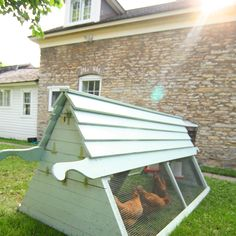 """The ultimate for urban chicken keeping...big enough for 8 hens and small enough to """"tractor"""" around the yard for """"pasturing,""""  weed control and gardne bed prep.  Puts those egglayers to work!"""