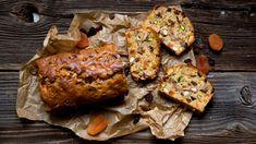 Do zimy daleko, ale chuť na biskupský chlebíček se neptá? Upečte si ho klidně iteď! Máme hrníčkový recept na jeden extra vláčný aplný ovoce aořechů. Vše najdete ve videu! Tandoori Chicken, Pork, Meat, Ethnic Recipes, Kale Stir Fry, Pork Chops
