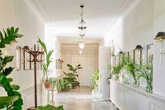 zalando-summer-house #interior #whiteinterior #whitehall #floral #green #flowers
