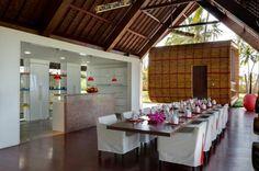 Modern Villa Sapi tropical retreat in Thailand