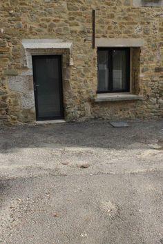 Menuiseries en PVC gris Foncé Ral 7016 - Fabricant de fenêtres et volets sur mesure à Septèmes les Vallons - LA MINERVE
