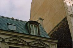Hôtel d'Alsace, rue d'Alsace, París, 1972, un antro propiedad de un maleante xenófobo... leyendo Paradiso, de Lezama.