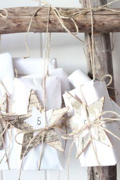white: Adventskalender . Advent calendar . calendrier de l'avent | Design: Jeannette |
