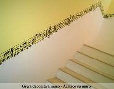 Greca decorata a mano - Acrilico su muro interno  https://sites.google.com/site/krakenpromot/cosa-facciamo