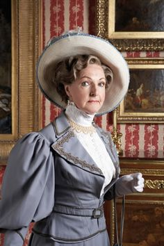 Penelope Keith as Lady Bracknell in Oscar Wilde's 'The Importance of Being Earnest' at the Vaudeville Theatre in London, 2008 Victorian Hats, Victorian Cottage, Penelope Keith, 1890s Fashion, Vintage Fashion Photography, Margaret Atwood, Costume Collection, Dress With Cardigan, Historical Clothing