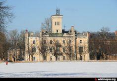 La Police Municipale - Peterhof - Construit en 1840 par Joseph-Jean Charlemagne.