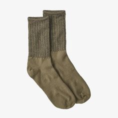 Estilo Indie, Traditional Looks, Sock Yarn, Crew Socks, Aesthetic Clothes, Patagonia, Cool Outfits, My Style, Stylish Clothes