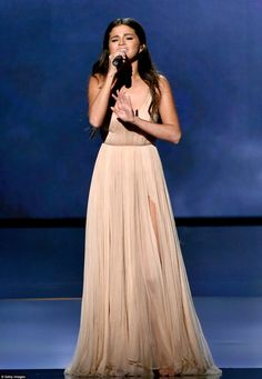 Celebrity Red Carpet, Celebrity Style, Celebrity News, Vestido Selena Gomez, Selena Homez, American Music Awards 2014, Armani Gowns, Celebrity Prom Dresses, Selena Gomez Photos
