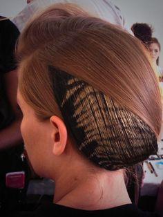 RT @Vogue Paris ZEBRA HAIR BY HAIR STYLIST ODILE GILBERT ON NADJA BENDER AT #RODARTE #NYFW #FASHIONWEEK #BEAUTY #HAIR