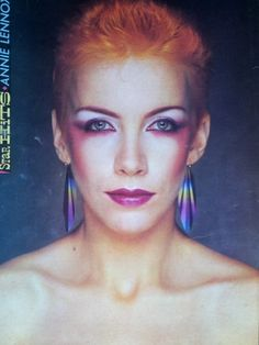 Annie Lennox, make up Annie Lennox, 1980s Makeup, Retro Makeup, Vintage Makeup, Punk Rock, New Wave Music, We Will Rock You, Rock Of Ages, New Romantics