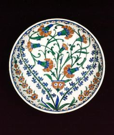 An Iznik pottery Dish Turkey, circa 1570-75