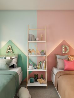 Olha que charme essa decoração de quarto infantil. Essa proposta é perfeita para as crianças que dividem o quarto e gostam de mostrar personalidade em todos os cantinhos.