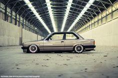 DLEDMV BMW Série 3 E30 BBS + Airlift 004