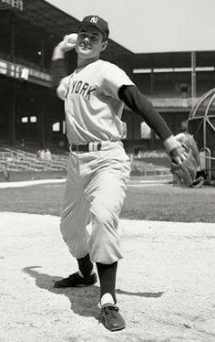 Tom Sturdivant, Pitcher