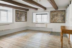 Synliga takbjälkar och golvtiljor på plan tre i det Wichmannska huset, Skeppar…