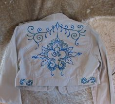 henna design blue on white
