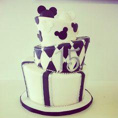 Purple and White Disney Cake @Paula manc manc manc manc Noble